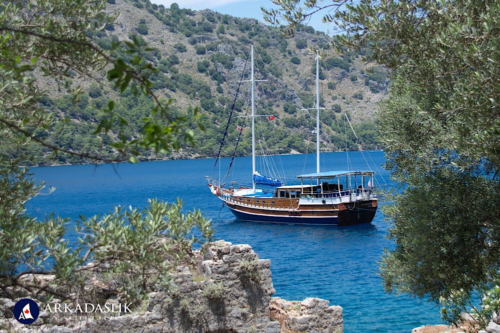 Book the cruise vacation of your dreams with Arkadaslik Yachting