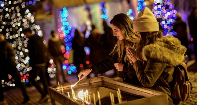 'Tis the season to be jolly: Christmas events all over Turkey