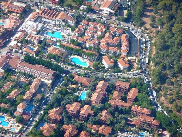 Tourists flocked to the world famous Oludeniz resort last week during the three day Ramazan Bayram public holiday. Roads were packed