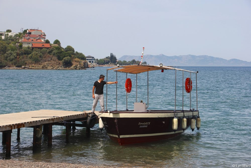Complimentary boat service from Şat Jetty