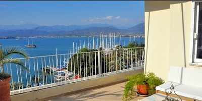 AVAILABLE FOR WINTER RENT. Two cozy and comfortable Karagozler '1' flats near the Amphitheatre in Fethiye centre with unhindered sea view of entire Bay