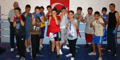 Fethiye Boxing Club members recently attended the junior championships in Kars thanks for to the support of British Expats