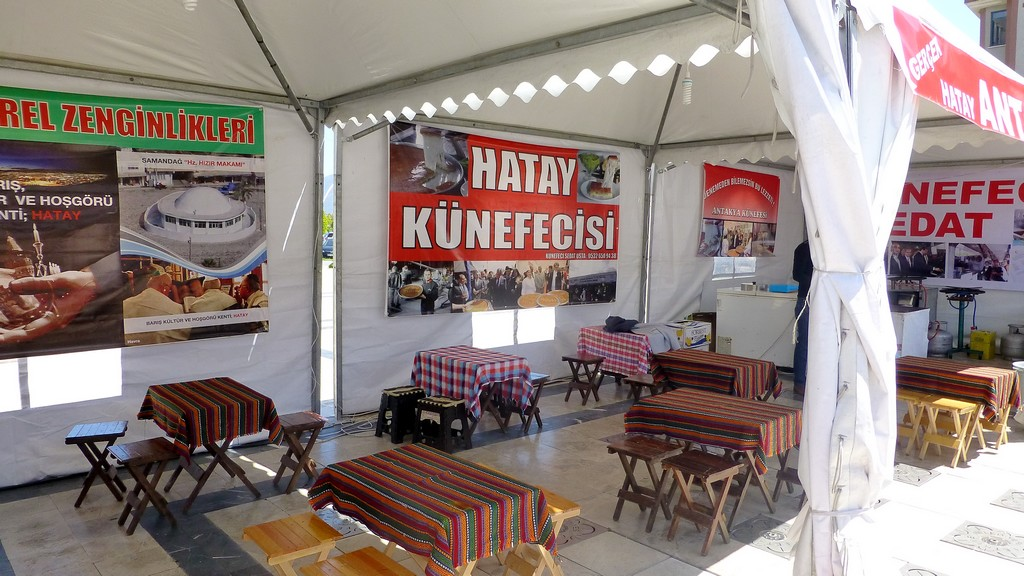 And of course no festival would be complete without food stalls. This one sells a Turkish favourite Kunefe - Sugary and nutty shredded wheat.