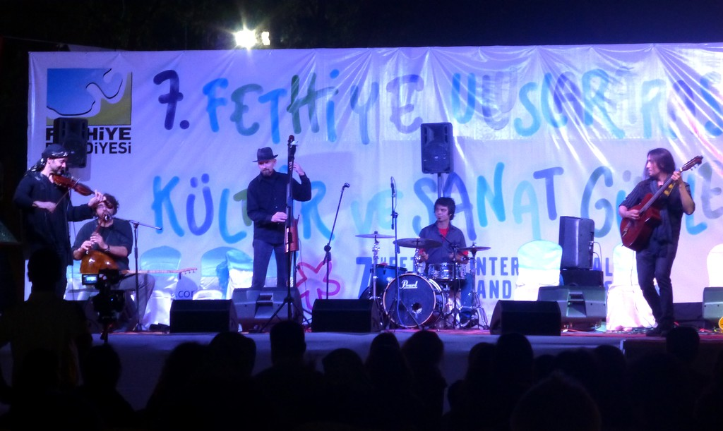 Arizona Band Traveler led by Scott Jefferies raised the roof on the first night of the 5 day festival in Fethiye, Turkey.