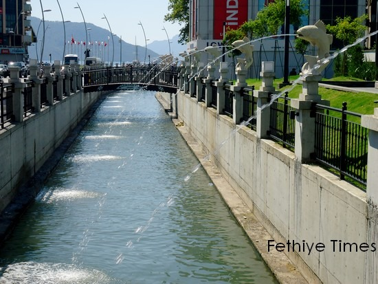 Marmaris town square improvement 2012 - Impage of the canal and Carp water spouts