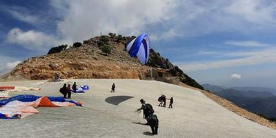 Things to do on holiday in Fethiye includes Paragliding from the famous Babadag mountain above Oludeniz