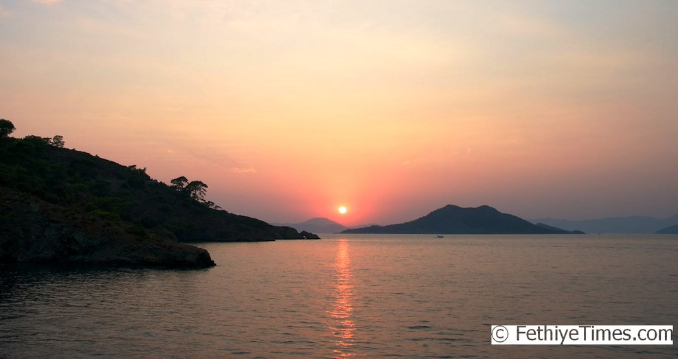 Another fantastic Fethiye sunset - Red Island in the distance