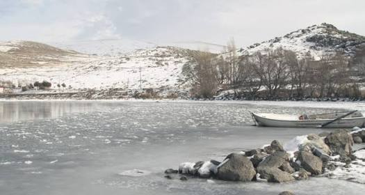 Troikas, the indispensables of frozen Lake Çıldır