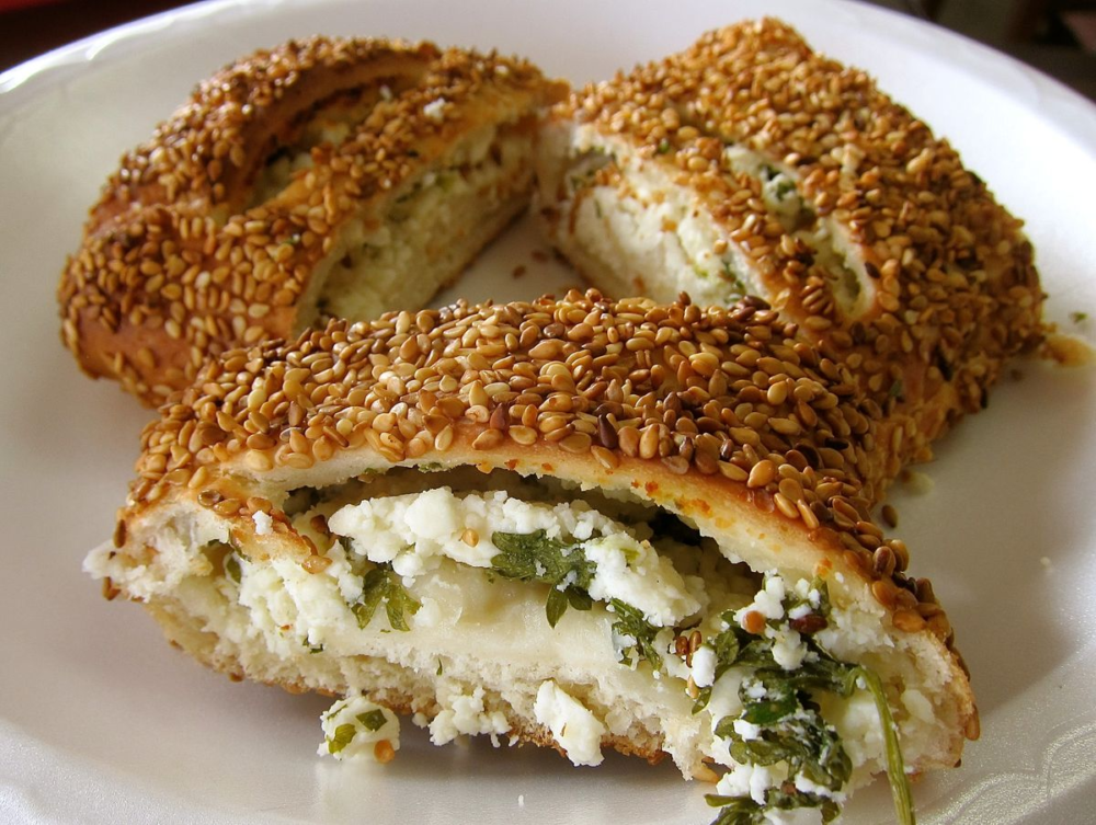 Simit filled with feta, mozzarella or olives