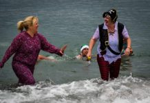 New Year's Day splashers take the plunge