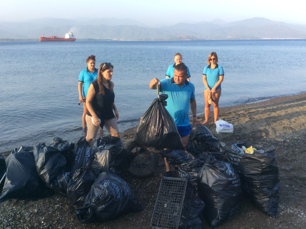 TUI Beach Clean