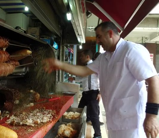 Kokoreç - a delicacy for offal lovers