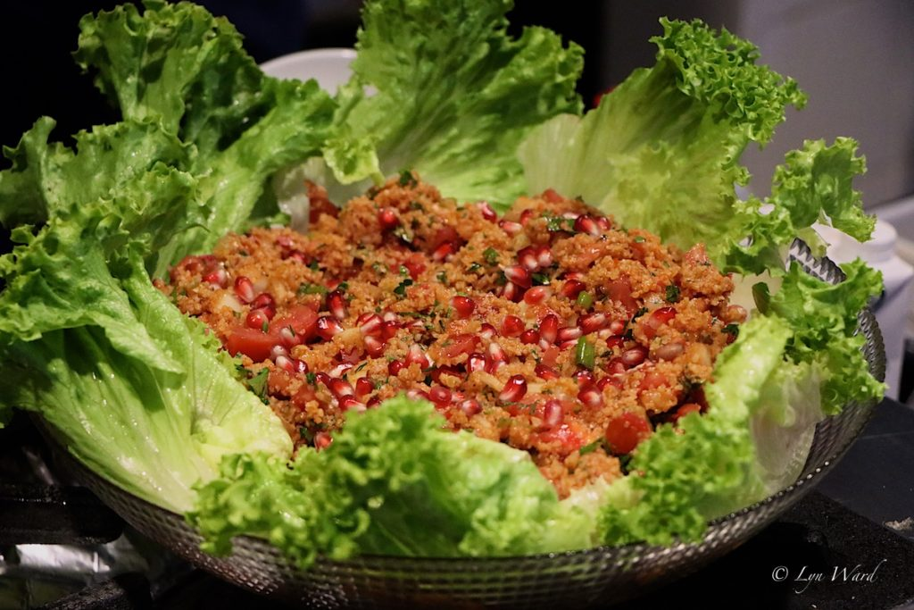 Kısır (Spicy bulgur wheat salad with pomegranate molasses)