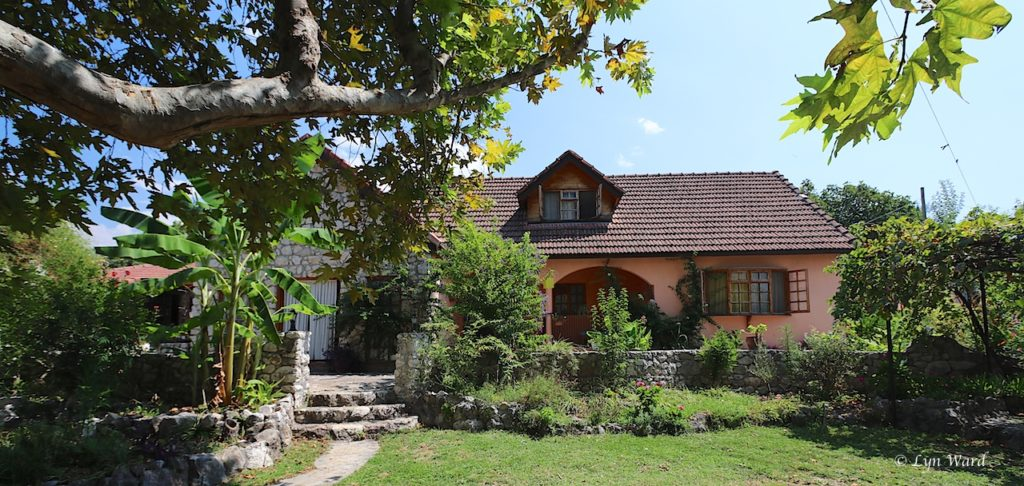 Investment lodge-style hotel and restaurant for sale in Yakaköy, Seydikemer