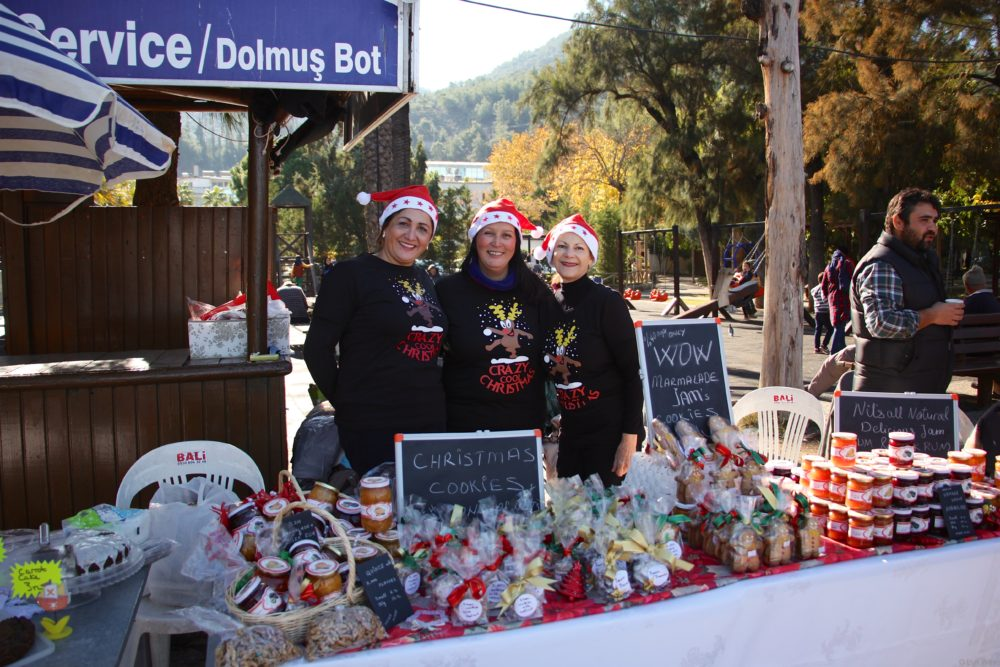 Nil and her helpers having a Crazy Cool Christmas selling her home made goodies
