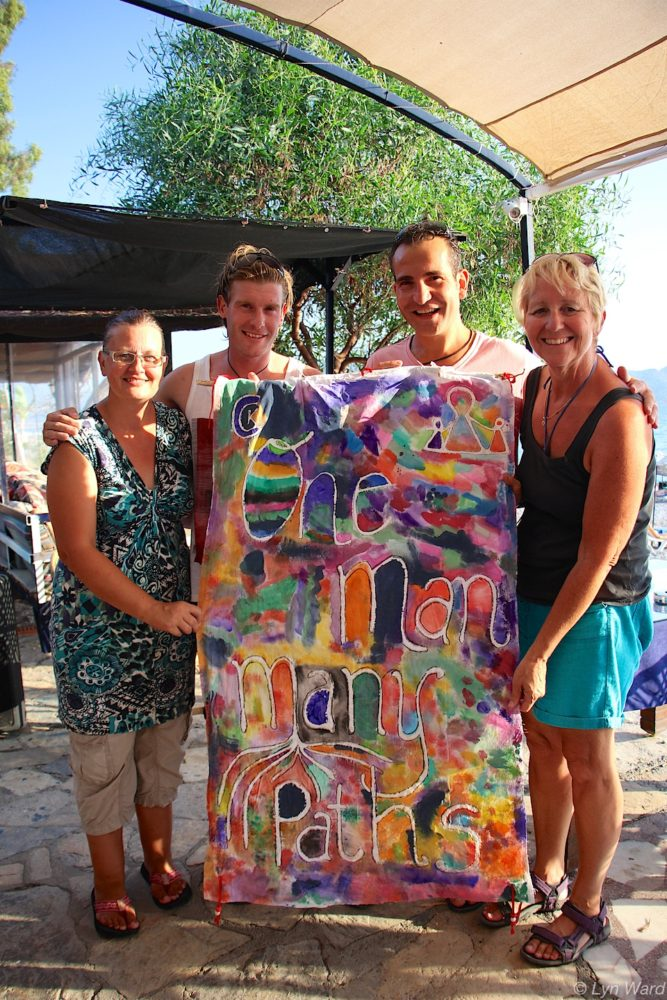 Sharon, Sam, Doğan and kate with the One Man Many Paths batik