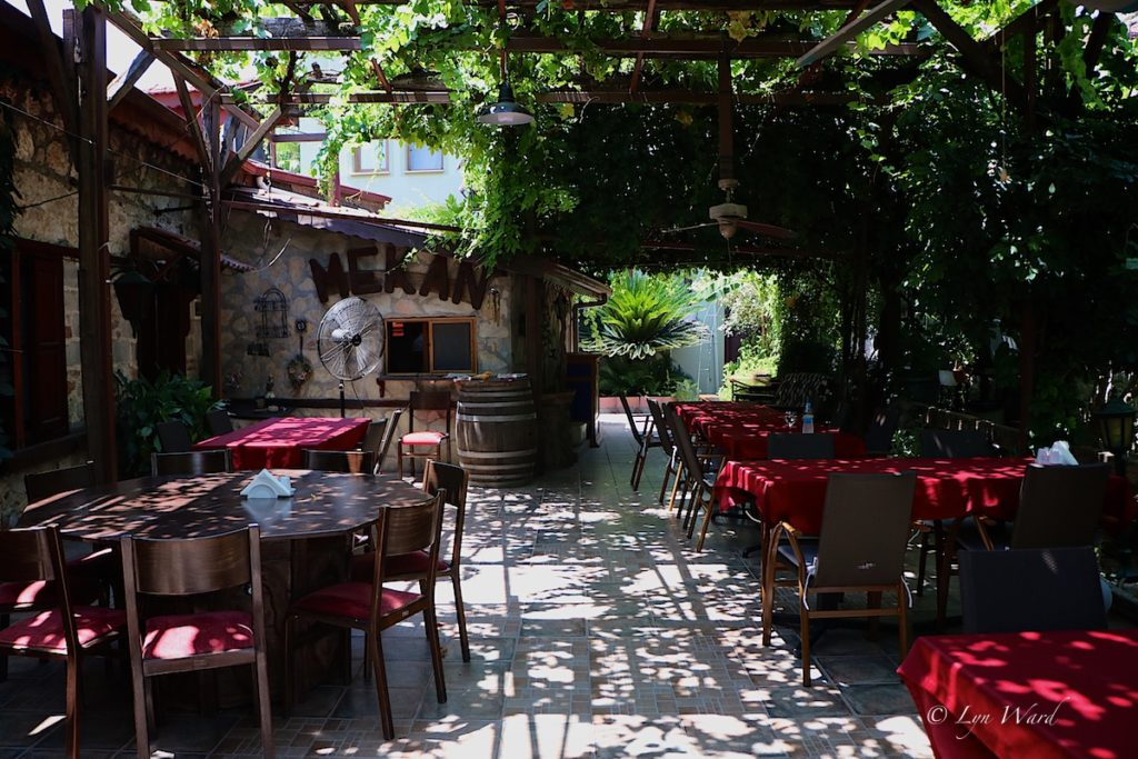 "Enjoy an all-day break ""feast"" at Taş Mekan"