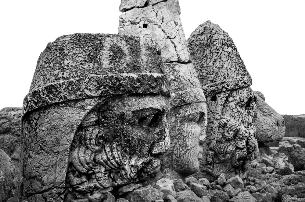 The colossal stone heads of Nemrut Dağ
