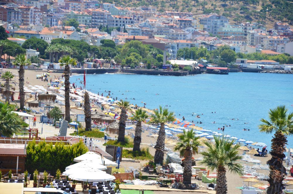Enjoy the best of Aegean at Izmir's coastal towns