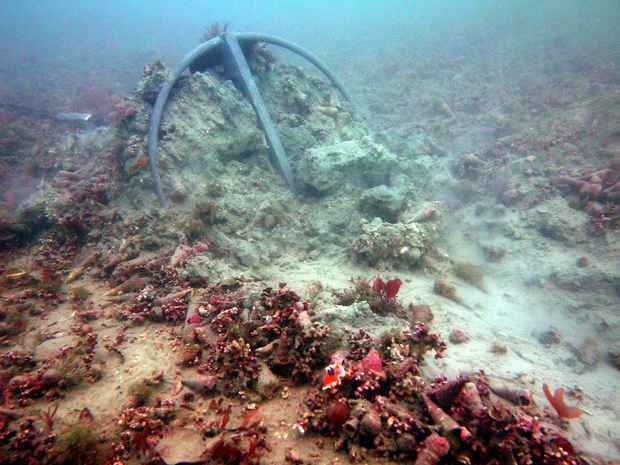 The effect of an anchor being dragged across the seabed